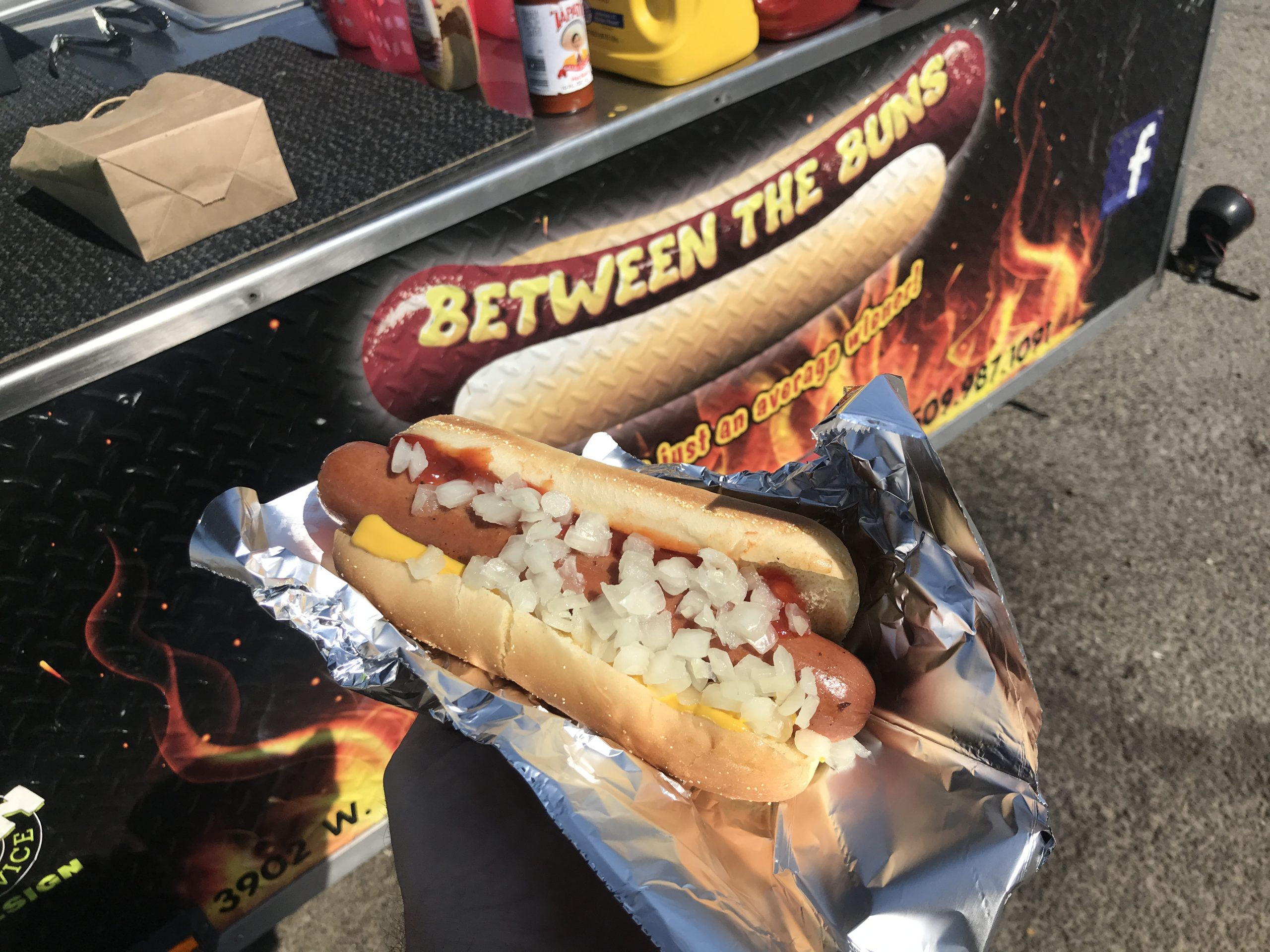A Simply Great Hotdog from Between the Buns in Kennewick – September 1 2020
