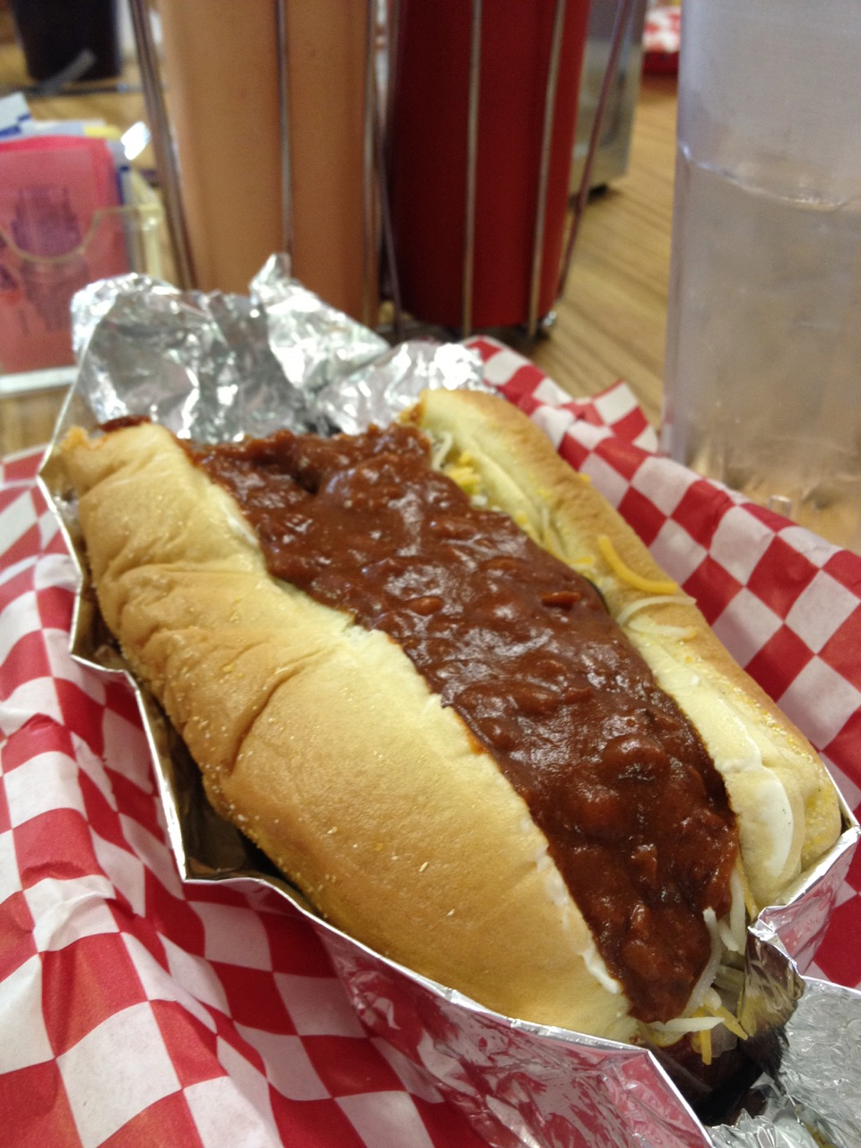 Chili Dogs at Between the Buns in Kennewick – February 22 2012