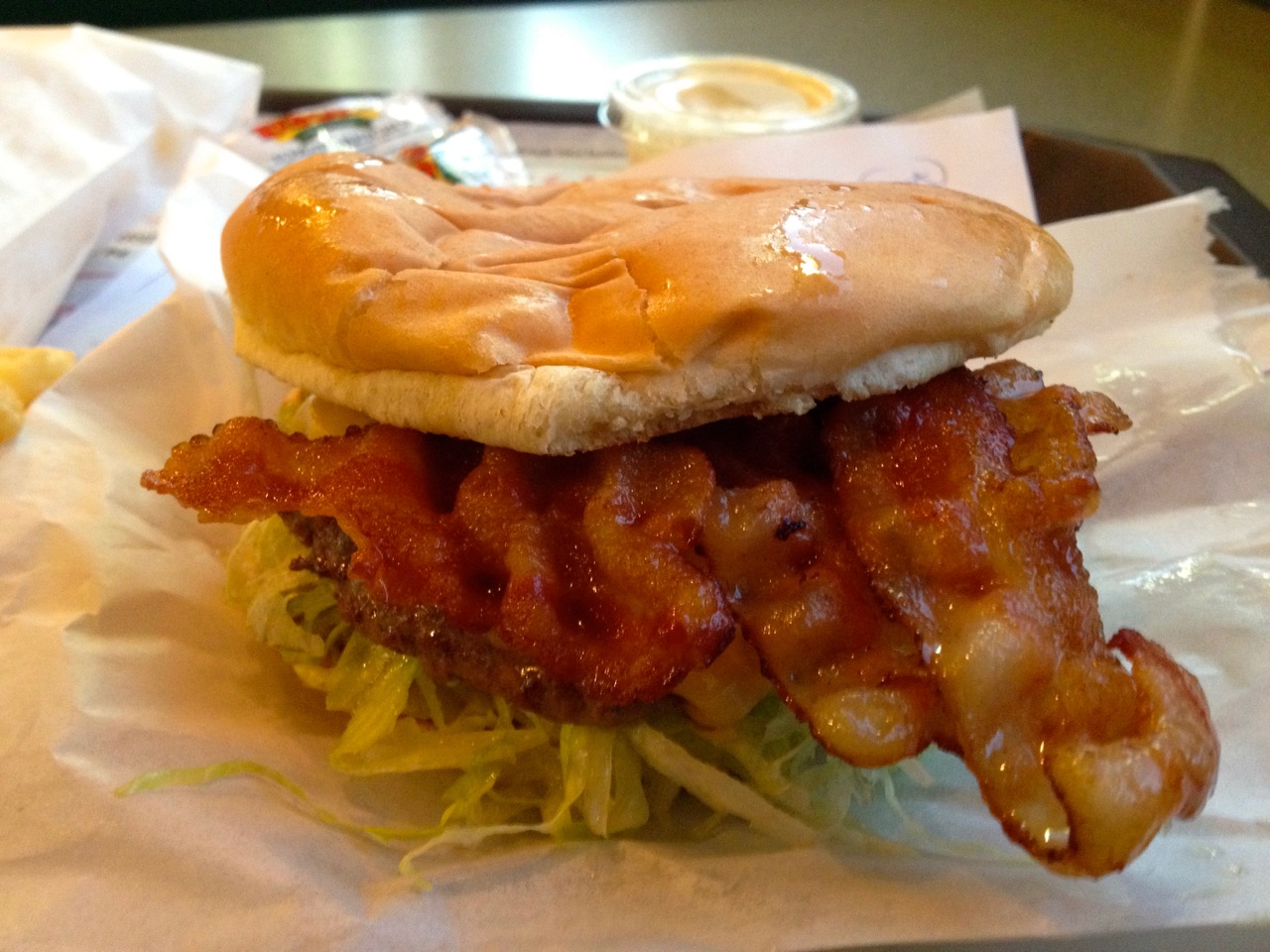 A Simple Bacon Cheeseburger at Zips in Kennewick - June 30 2019